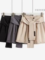 กางเกงขาสั้นเอวสูง ดีไซน์เข็มขัดเหมือนเอาเสื้อมาผูกเอว