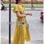 เสื้อผ้าเกาหลี พร้อมส่ง เสื้อคร็อปสั้นและกระโปรงสีเหลือง thumbnail 8