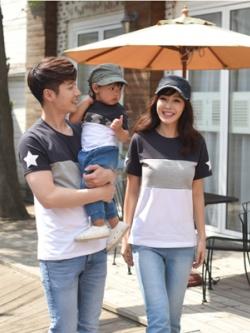 ชุดครอบครัวเซท3ชุด เสื้อยืดแขนสั้นเกาหลี แต่งรูปดาว